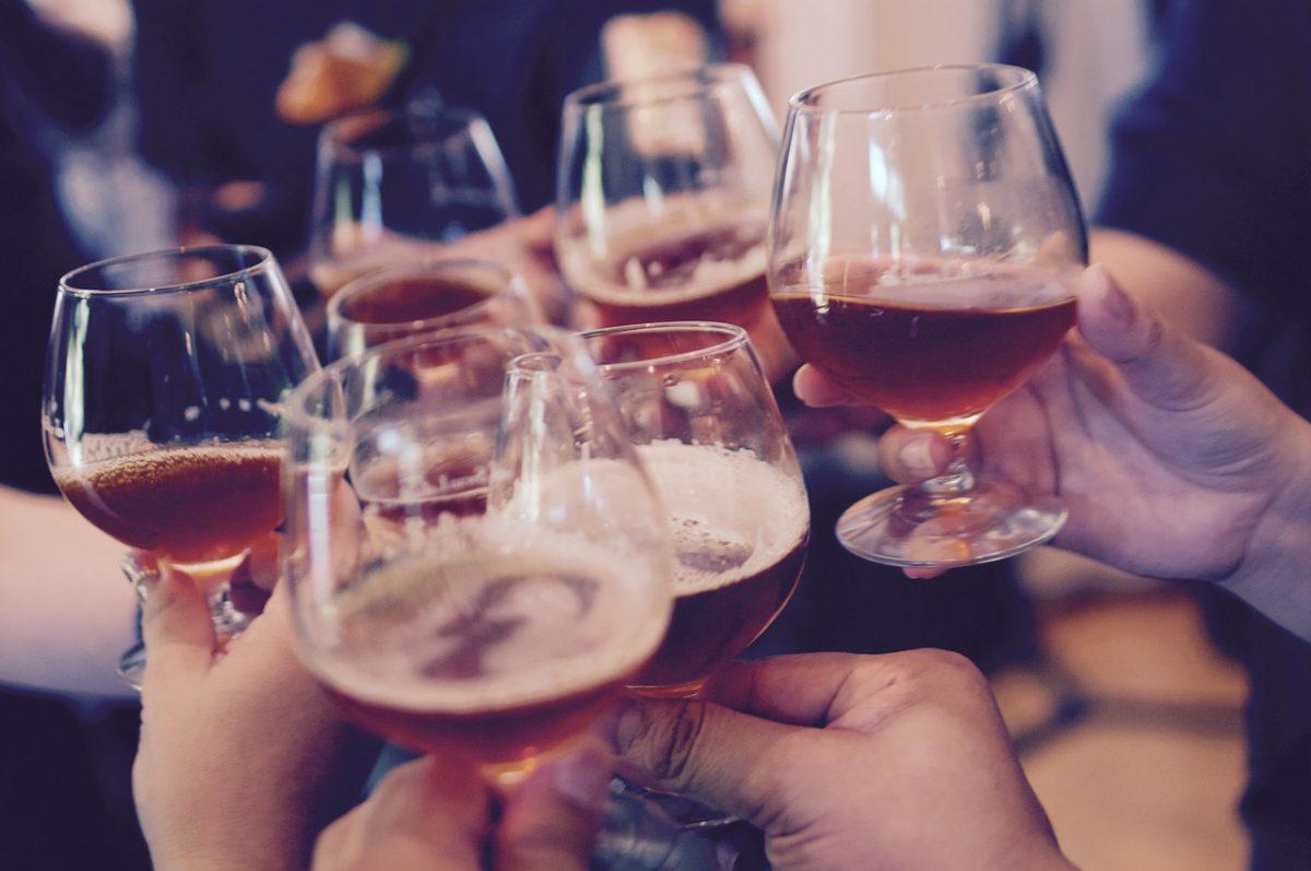 Alkoholin hyödyt ja järkevä alkoholipolitiikka