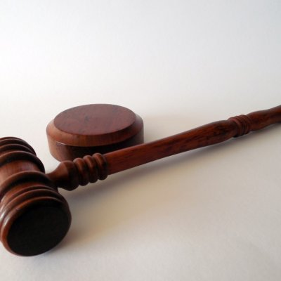 Sote-näytelmän opetus: perustuslain ylin valvonta tulee siirtää tuomioistuimelle