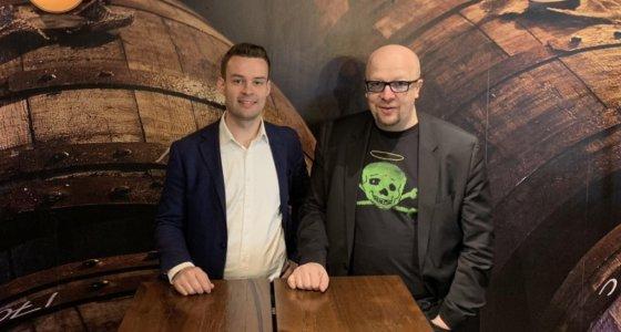 Liberan Mikko Kiesiläinen vierailee Aki Pyysingin Teerenpelit-ohjelmassa